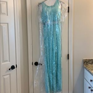 Prom dress. size small.